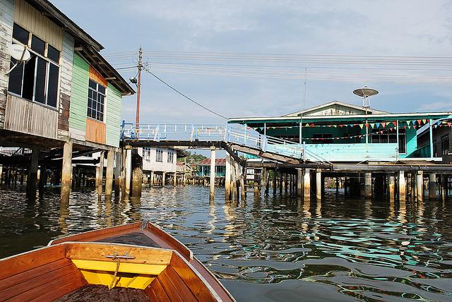 Thăm làng nổi lớn nhất thế giới Kampong Ayer