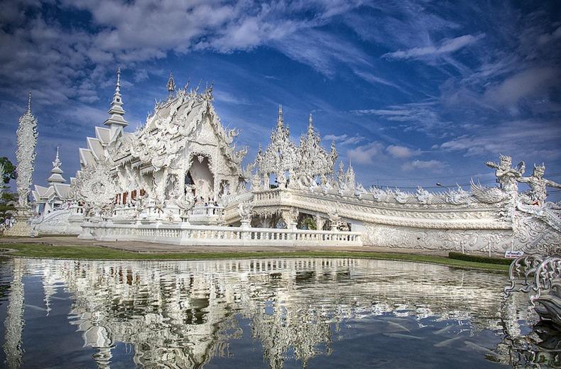Khám phá đền thờ Wat Rong Khun độc đáo