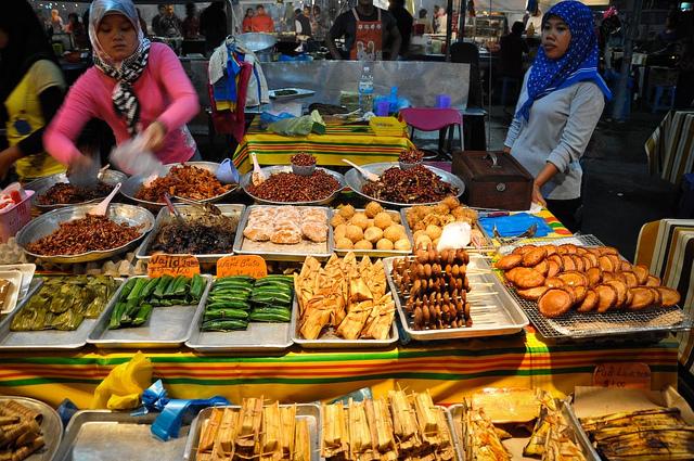 No nê với chợ đêm ẩm thực Brunei