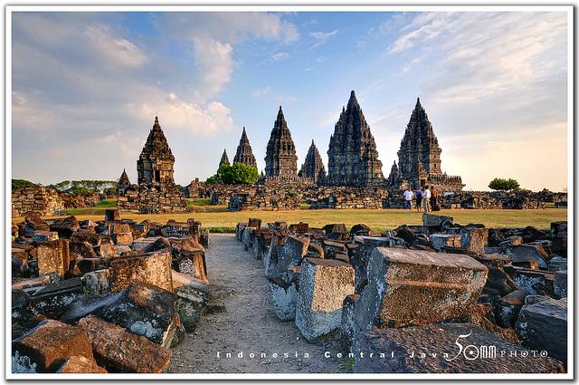 Gía vé máy bay đi Indonesia bao nhiêu tiền?