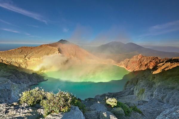Khám phá vẻ đẹp diệu kì của núi lửa Kawah Ijen
