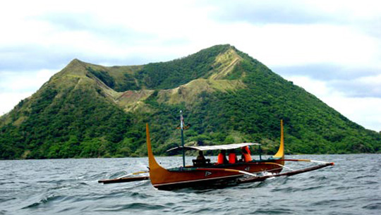 hồ núi lửa Taal