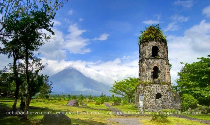 Cagsawa Ruins - Legazpi Philippines