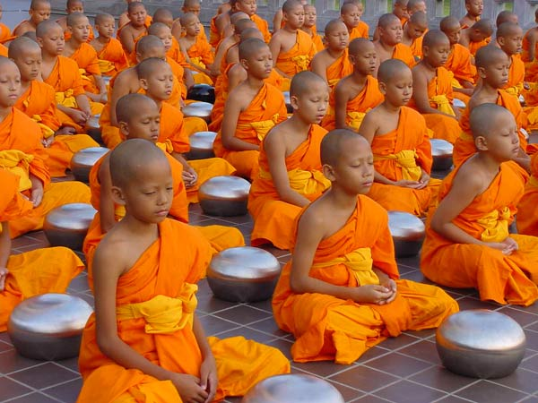 Lễ Khao Phansa3