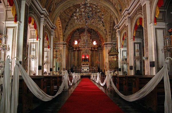 thánh đường cổ Manila