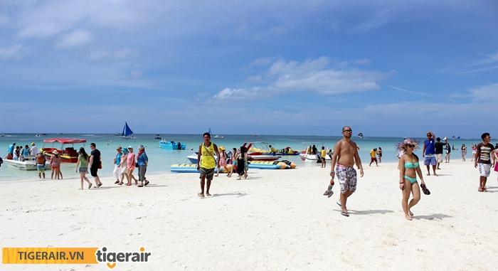Tắm biển Boracay