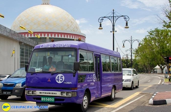 Xe bus ở Brunei
