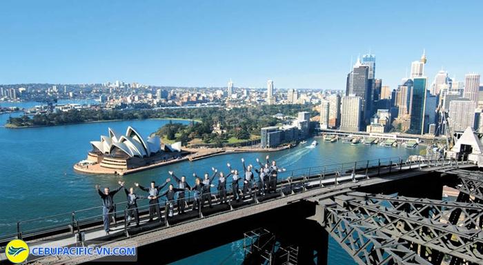 Leo cầu cảng Sydney