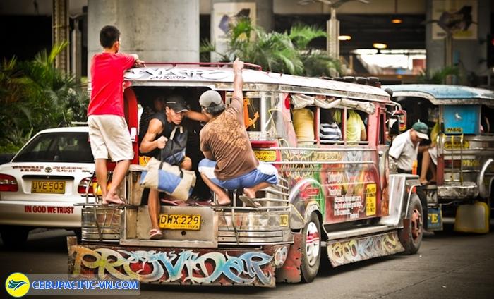 Dạo quanh thành phố bằng xe jeepney