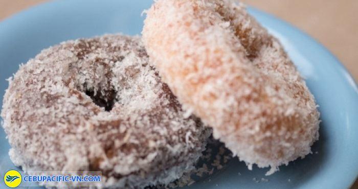 Bánh rán rắc dừa mang đậm vị món ngon Myanmar