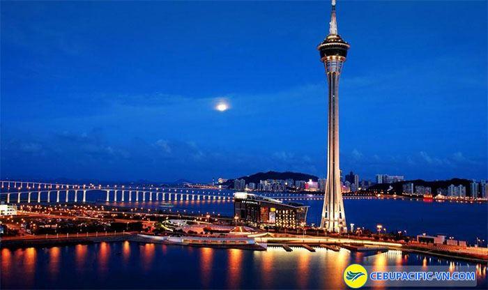 Toàn cảnh ngọn tháp cao ở Macao