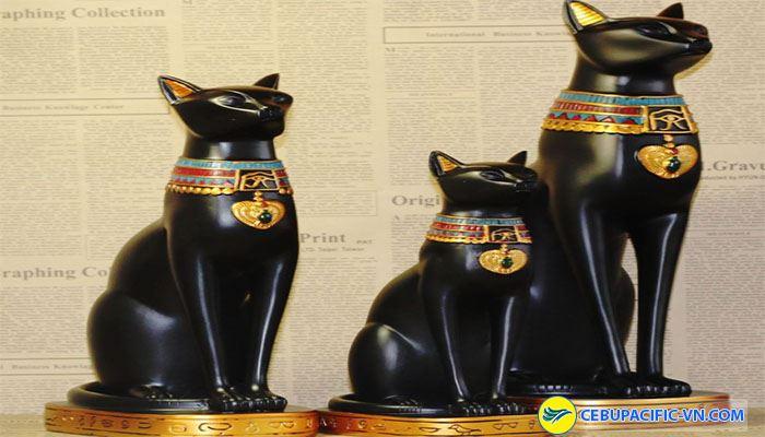 Tuyệt đối không được mua tượng mèo đen ở Ai Cập