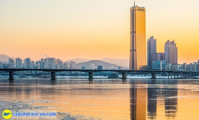 Tòa nhà 63 tầng cạnh sông Hàn