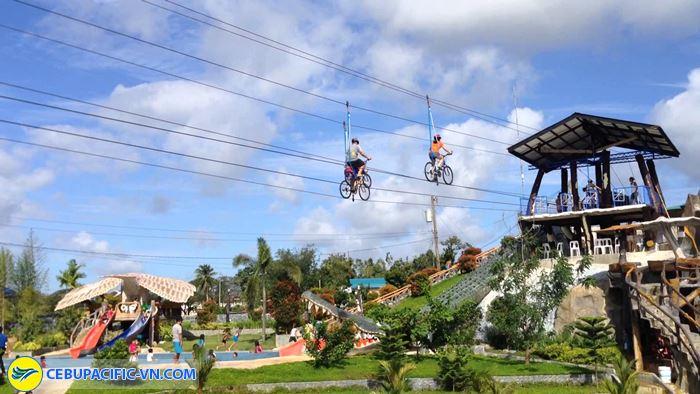 SkyCycle nghĩa là đi xe đạp trên bầu trời