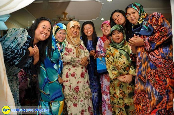 Trang phục của người dân Brunei