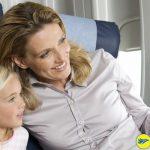 Trẻ em có thể đi cùng người lớn bất kỳ trên 18 tuổi