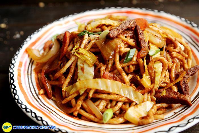 Mỳ xào thịt cừu món ngon nổi tiếng ở Brunei