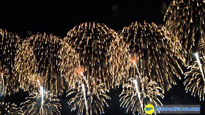 Lễ hội bắn pháo hoa ở Nagaoka