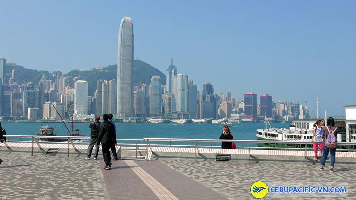 Tsim Sha Tsui nơi bạn có thể chiêm ngưỡng bến cảng và những tòa nhà chọc trời
