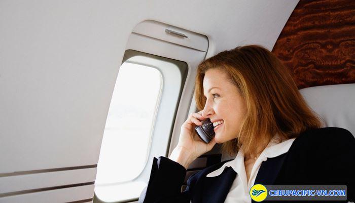 Cấm sử dụng điện thoại nghe gọi khi máy bay cất hoặc hạ cánh