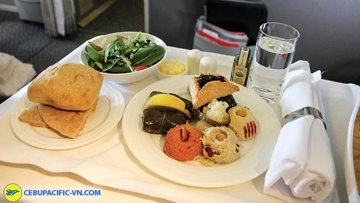 Một trong những món ăn đặc trưng trên các chuyến bay của Cebupacific